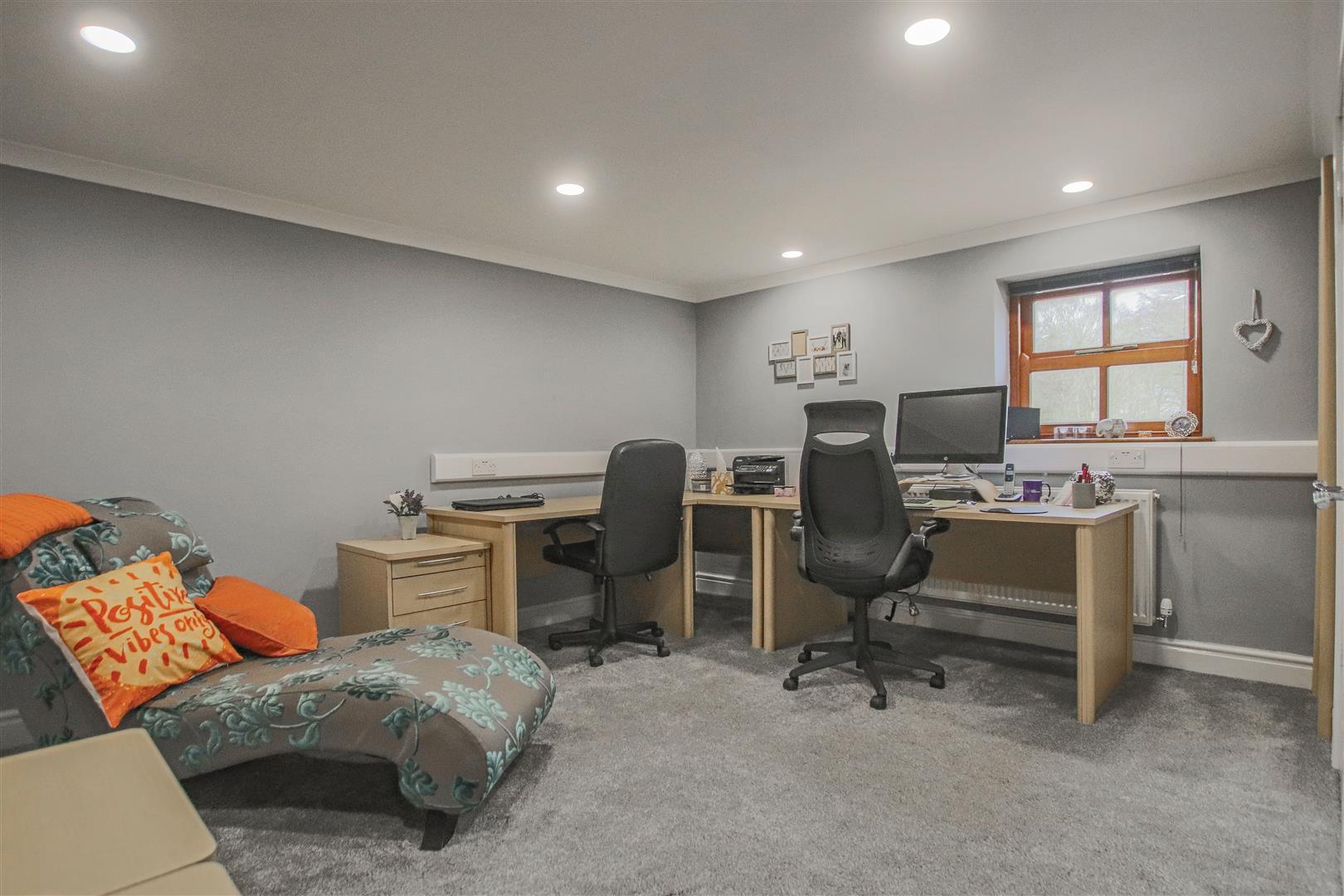 4 Bedroom Detached House For Sale - 35.JPG